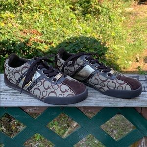 Guess Sneakers Sz 7